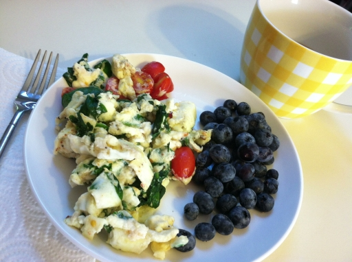 Egg white scramble and blueberries