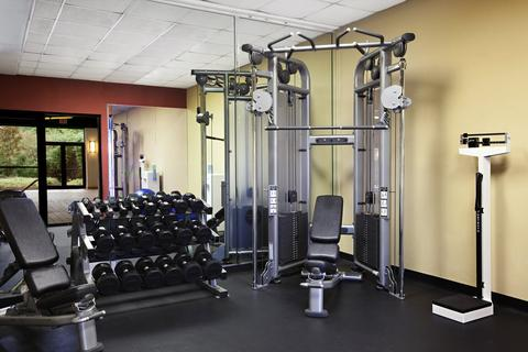 2631759-Crowne-Plaza-CHARLOTTE-EXECUTIVE-PARK-Fitness-Center-2-DEF
