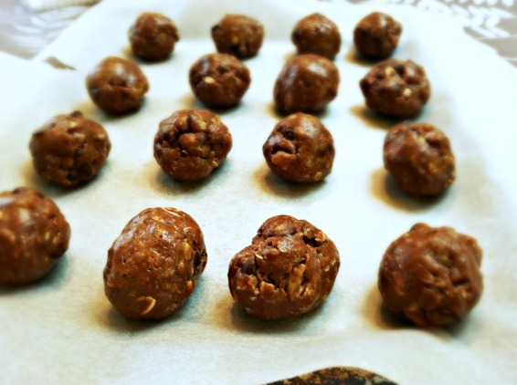 No-bake chocolate energy balls 3