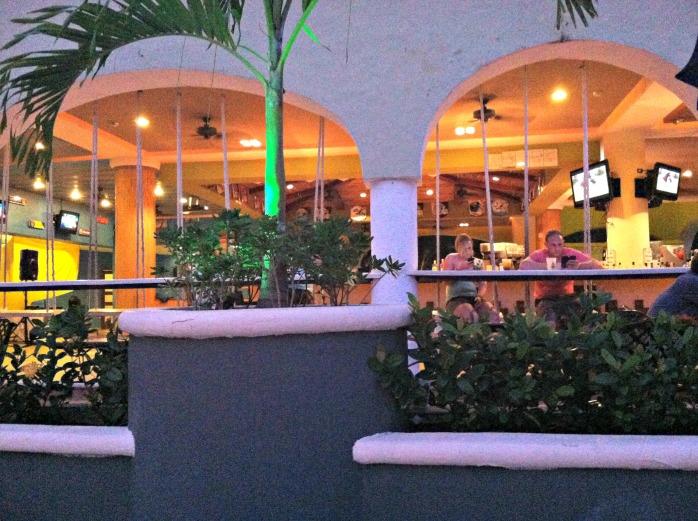 Sandos sports bar